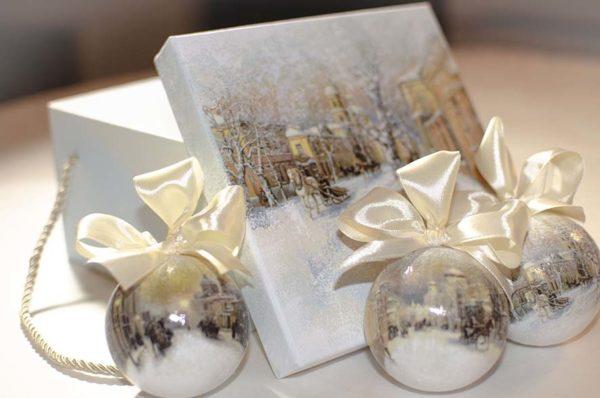 новогодние наборы с елочными шарами