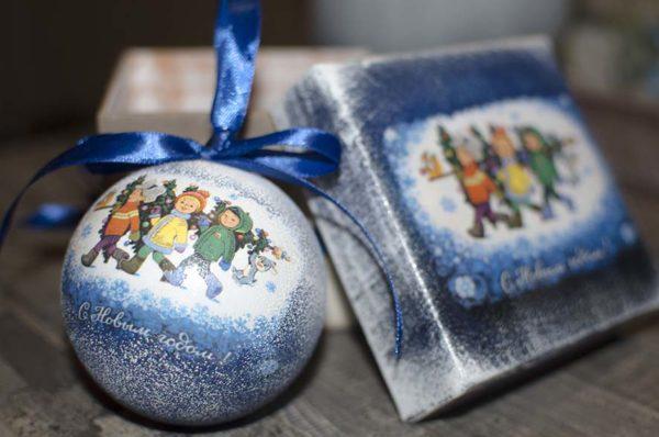 елочный шар 8 см в подарочной коробке