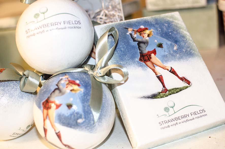 подарочные наборы с новогодними шарами с логотипом