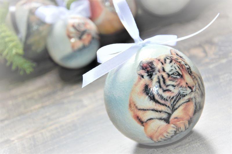 елочные шары с тигром