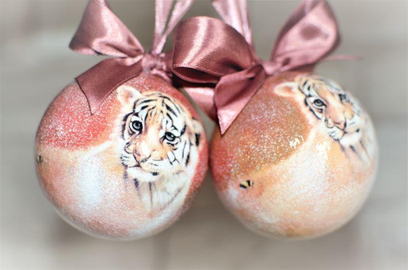 новогодний шар с тигренком