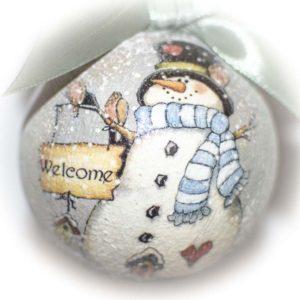 елочный шар со снеговиком