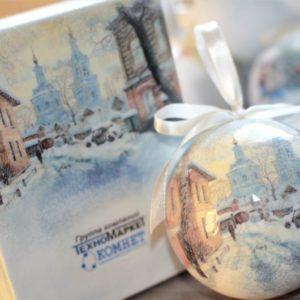 новогодние наборы с елочными шарами с видами городов
